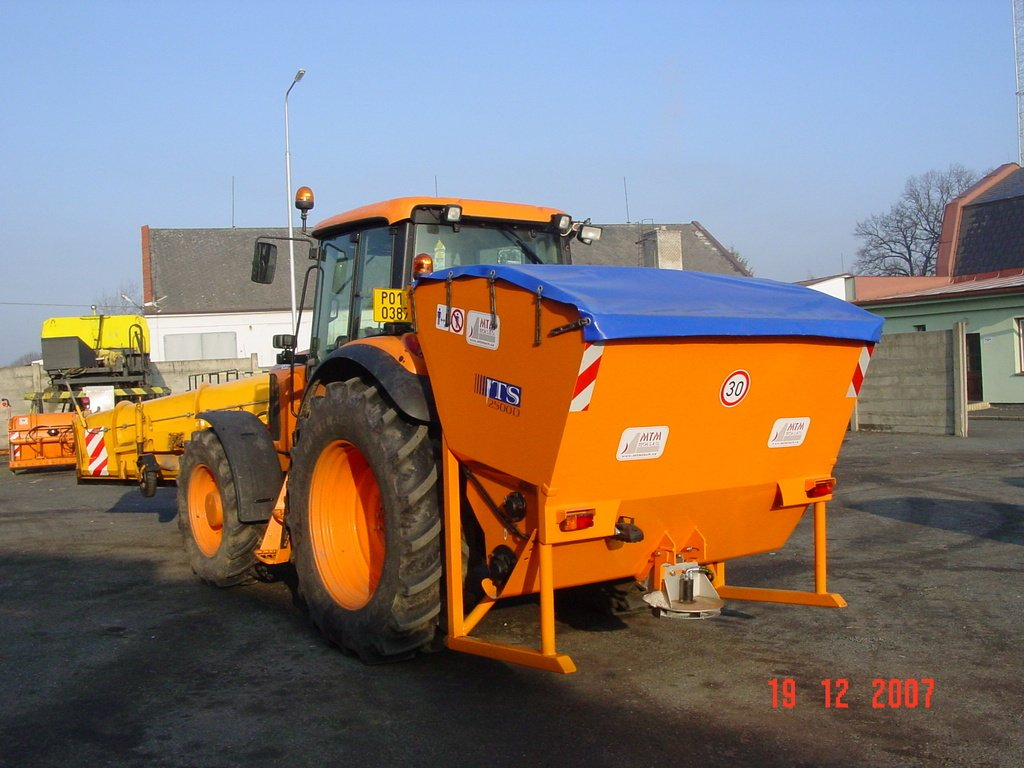 Big spreaders with spreading disc